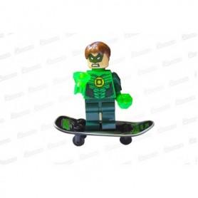Muñeco Lego Linterna Verde En Patineta