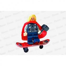 Muñeco Lego Thor En Patineta